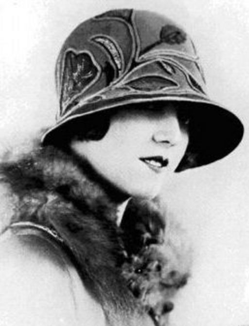 in vintage hats mae garnet
